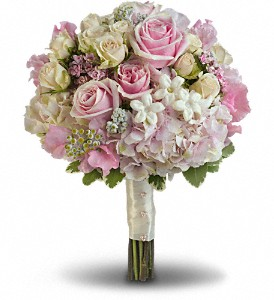 Pink Rose Splendor Bouquet T190 1a