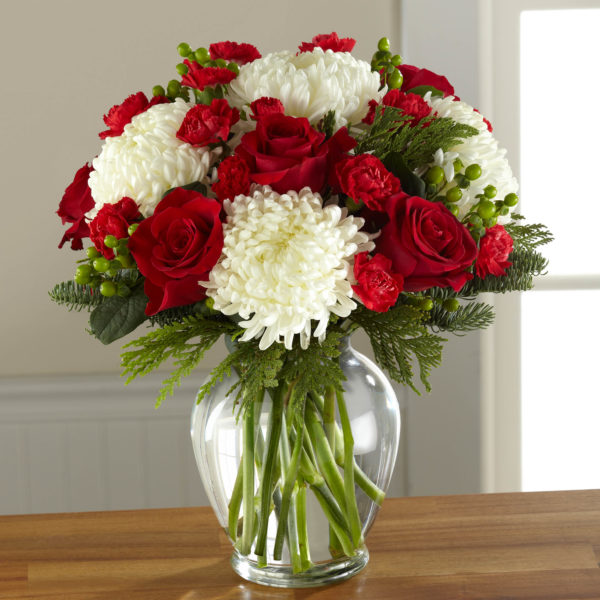 The Ftd 174 Holiday Enchantment Bouquet B17 5131